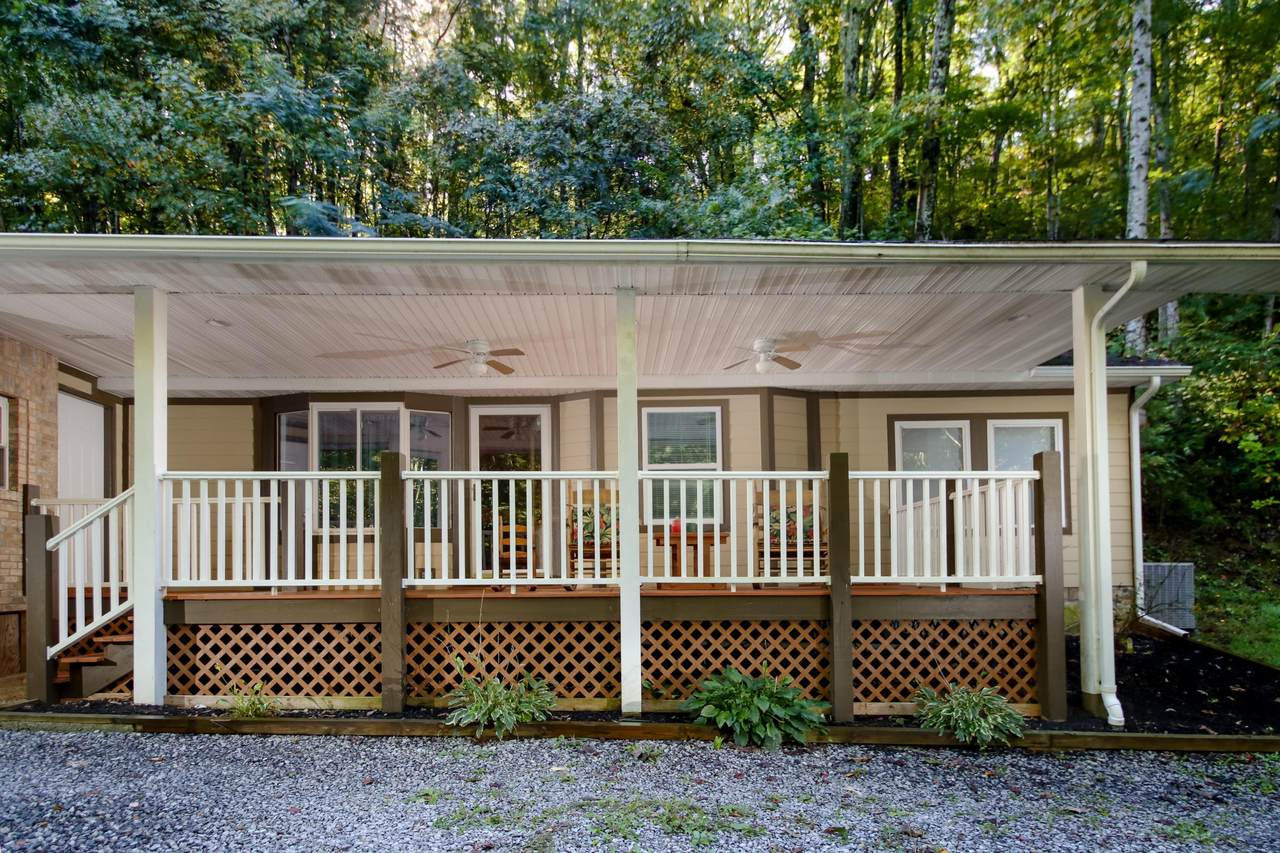 9127 Pickens Gap Rd - Photo 1