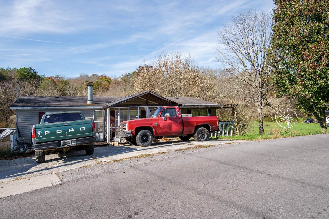 1029 Millican Creek Rd - Photo 1