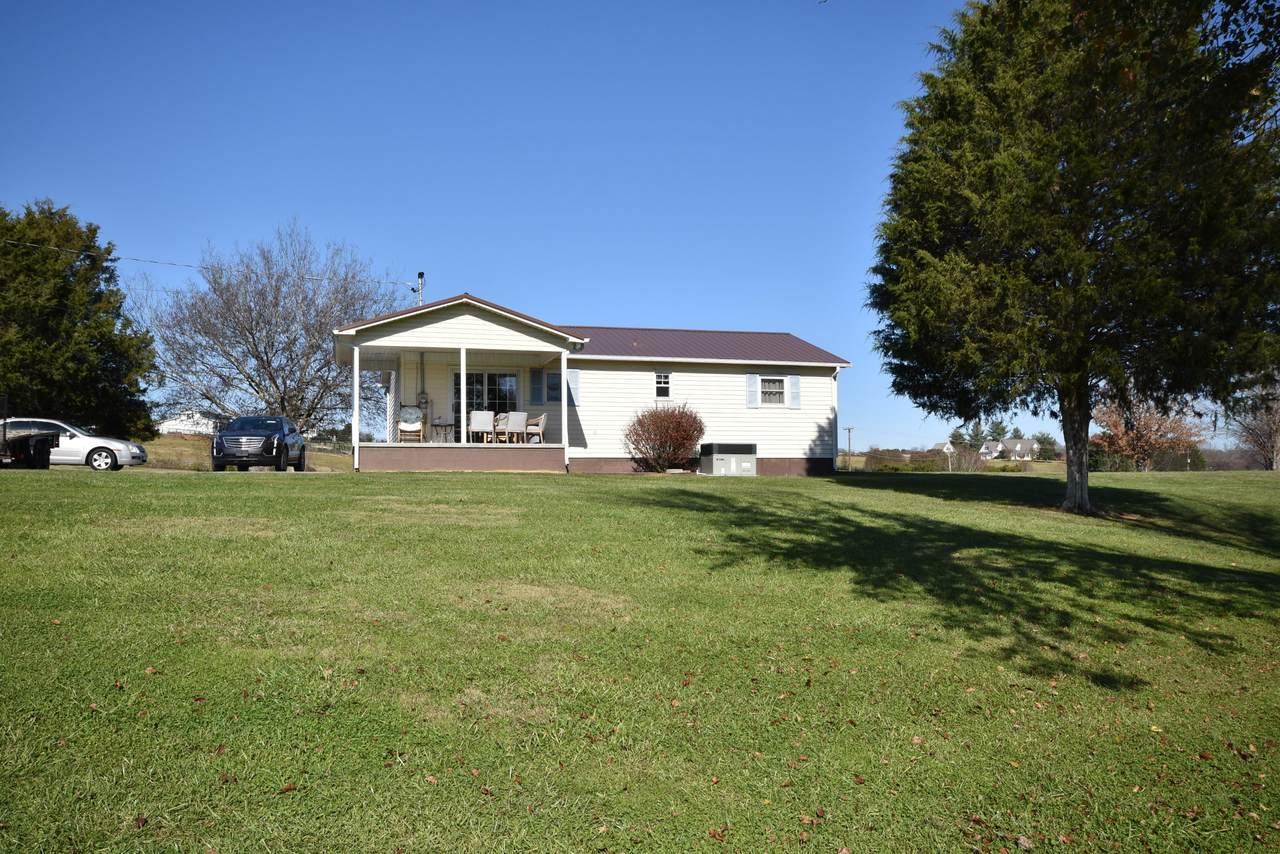 2055 Boyds Creek Hwy - Photo 1