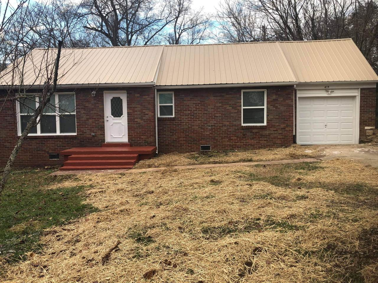 415 Chamberlain Ave - Photo 1
