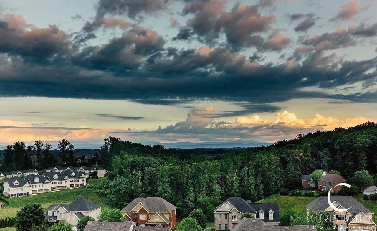472 Laurel Ridge Lane - Photo 1