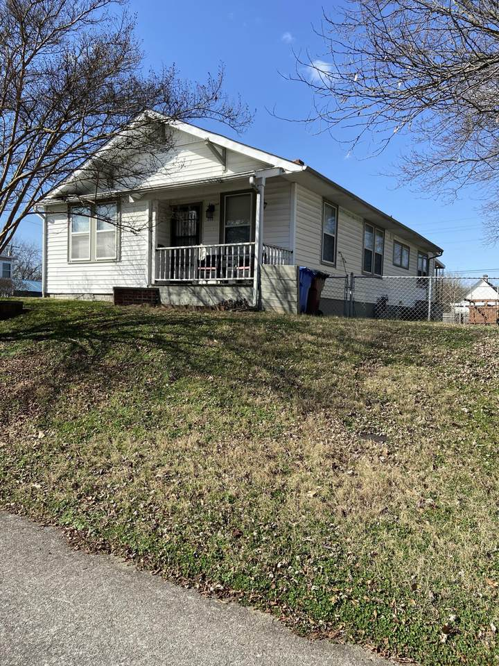 282 Lincoln Rd - Photo 1