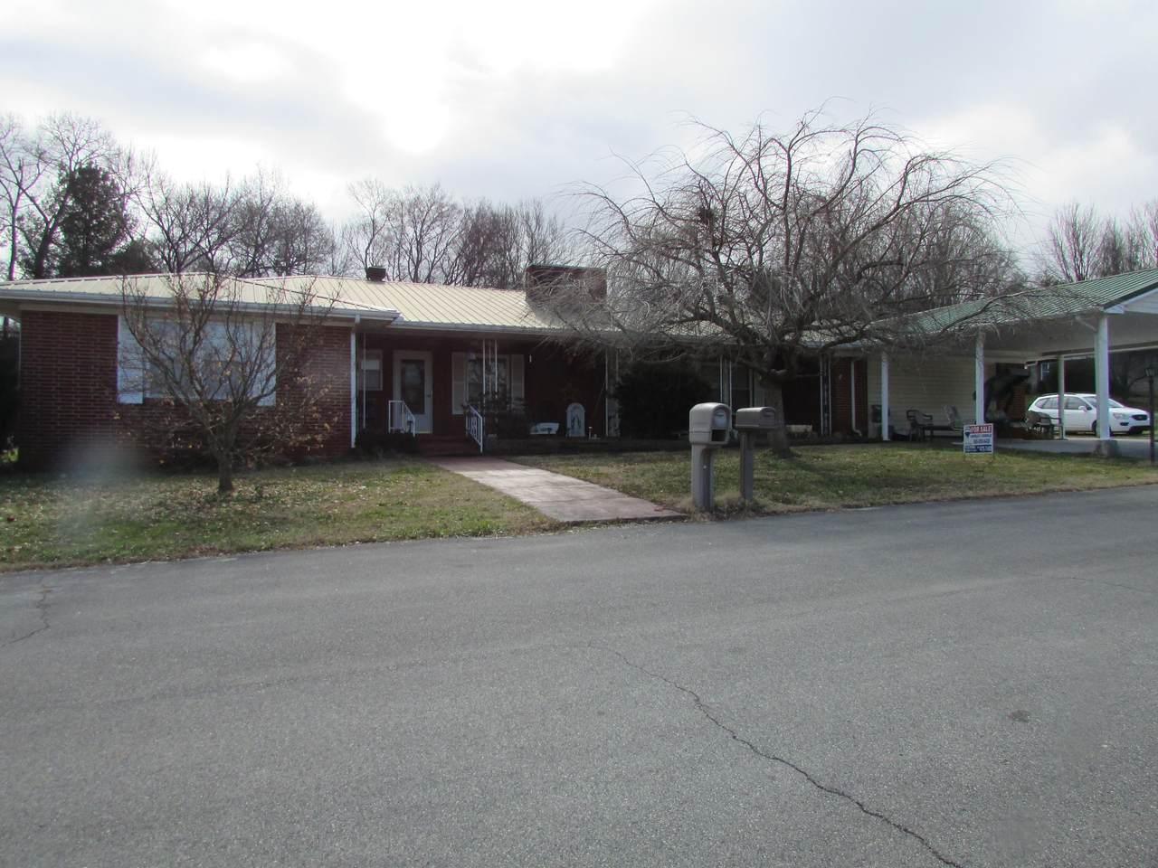 313 Creekmoor Drive - Photo 1