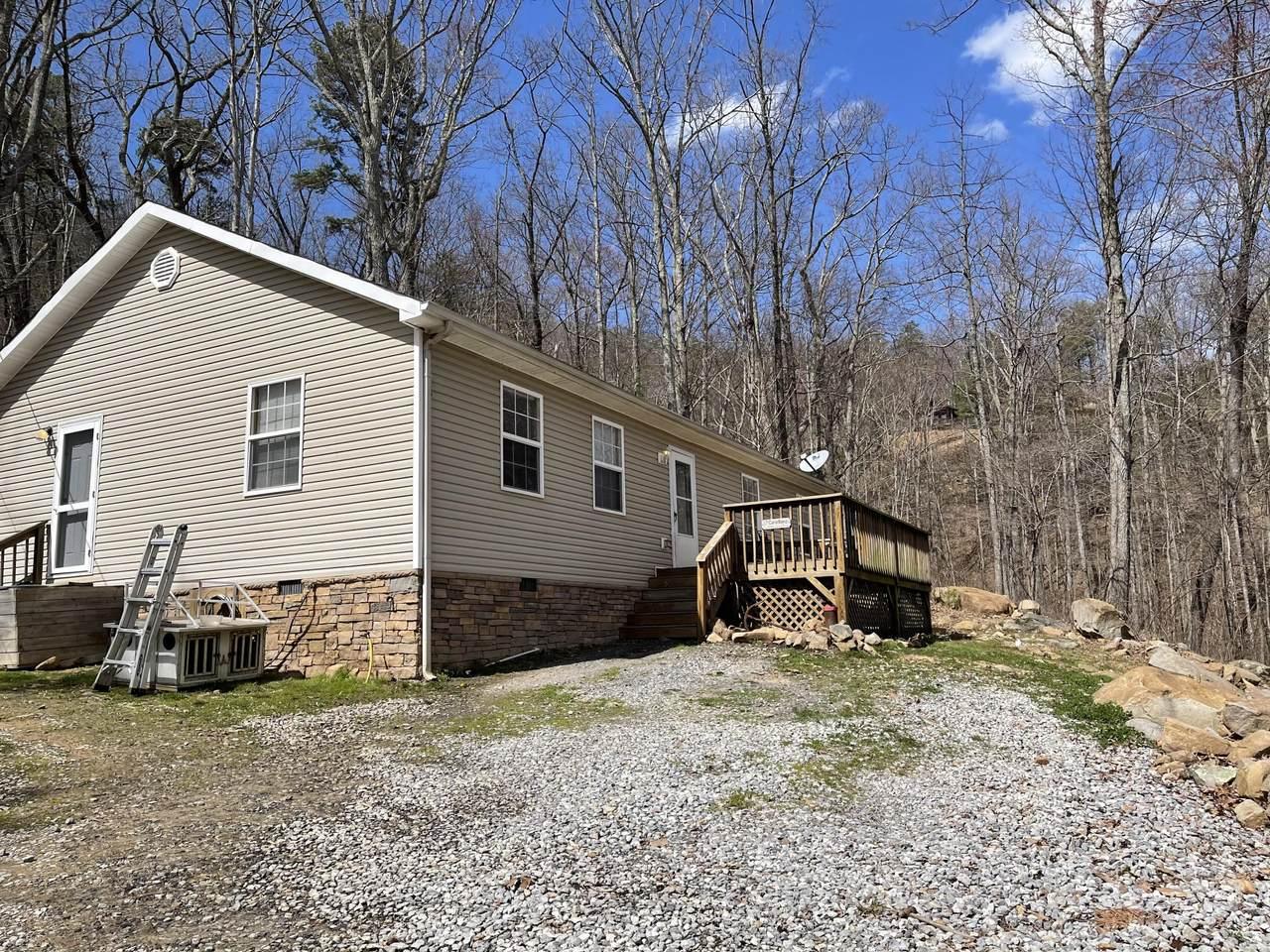 890 Ridge Way - Photo 1