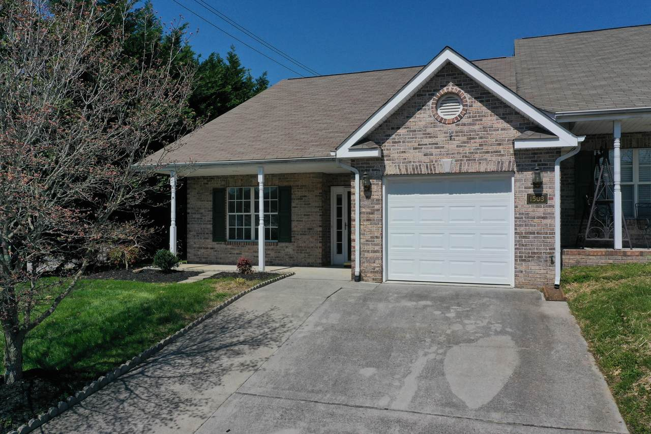1503 Emerald Pointe Lane - Photo 1