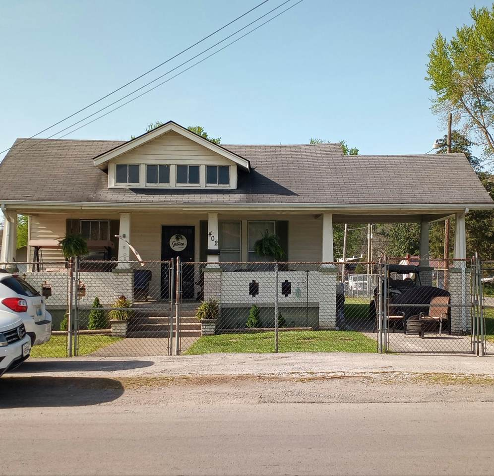 402 Winchester Ave - Photo 1