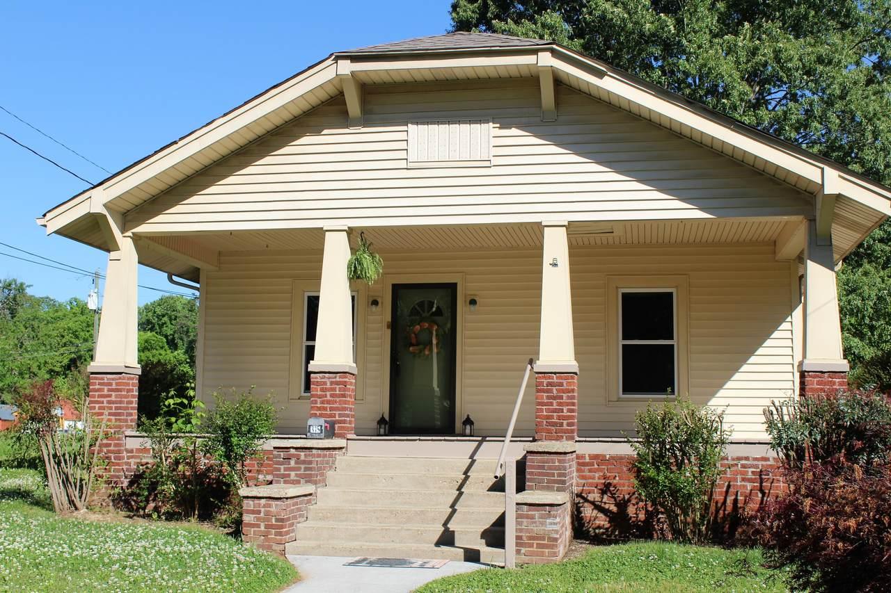 315 Lynnwood Drive - Photo 1