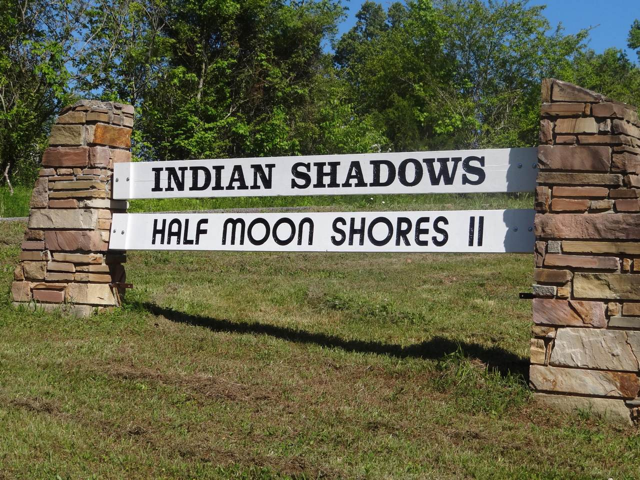 267 Cherokee Circle - Photo 1