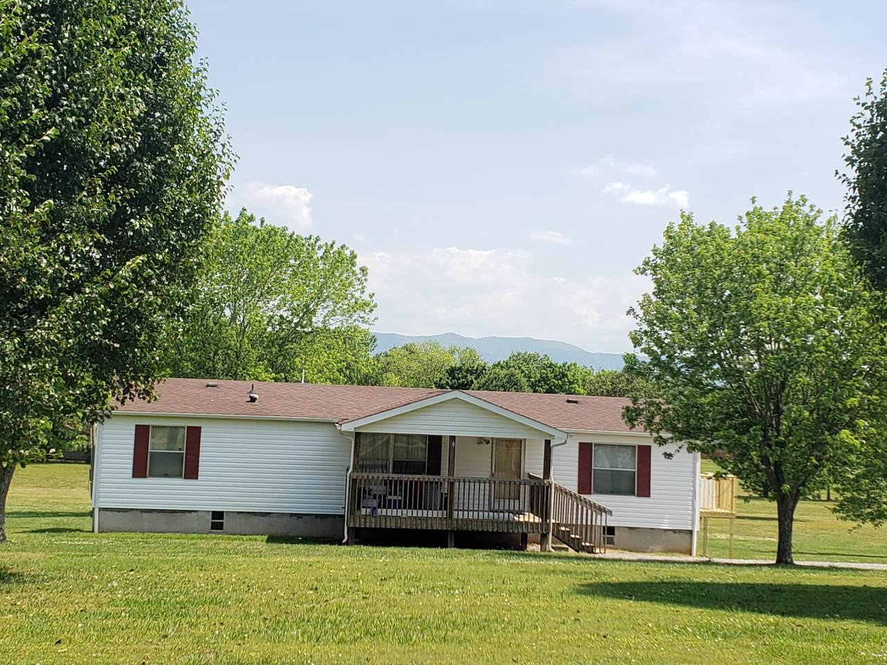 1315 Woods Ridge Rd - Photo 1