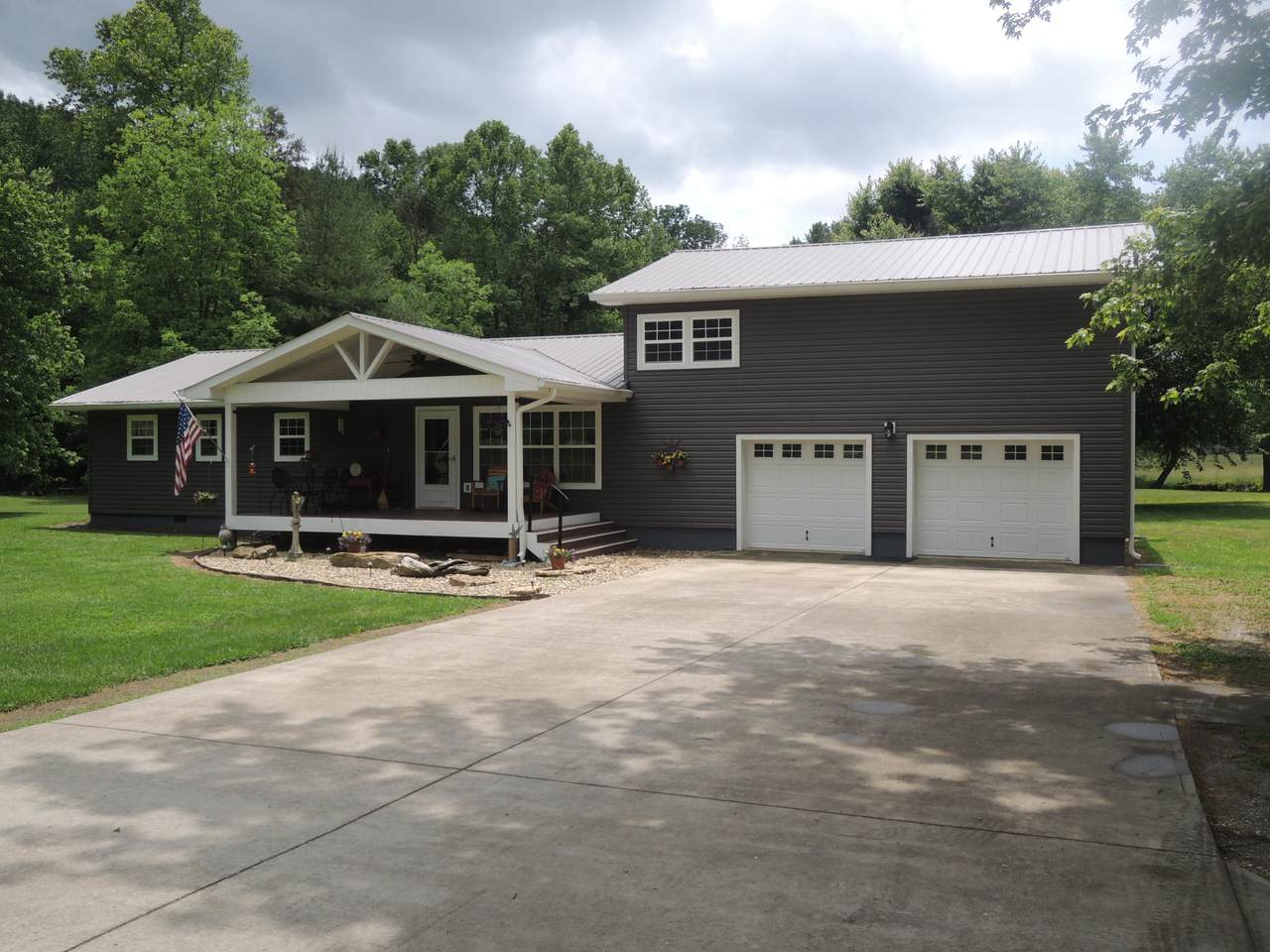 3002 Rotten Fork Rd - Photo 1