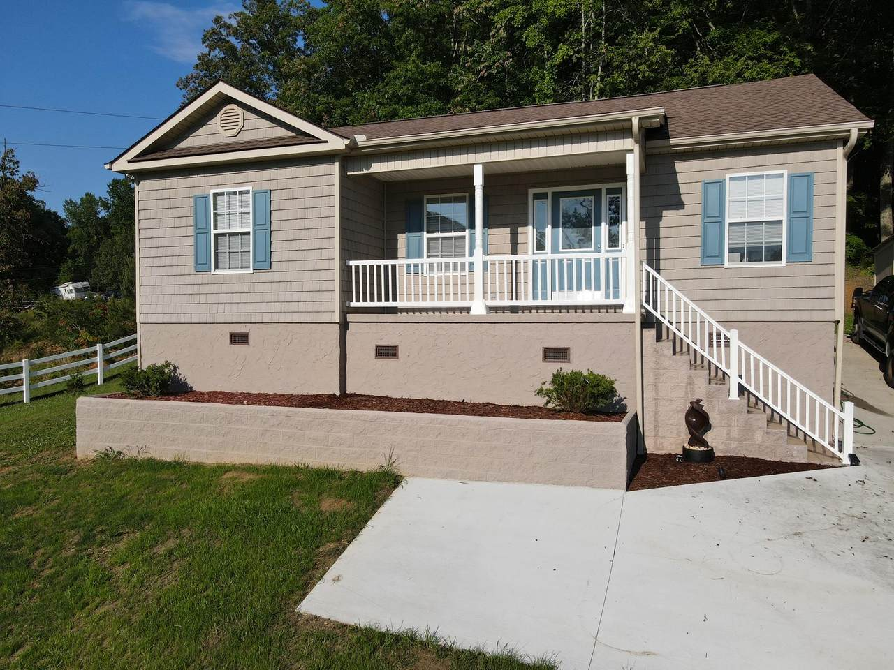 2072 White Wing Rd - Photo 1