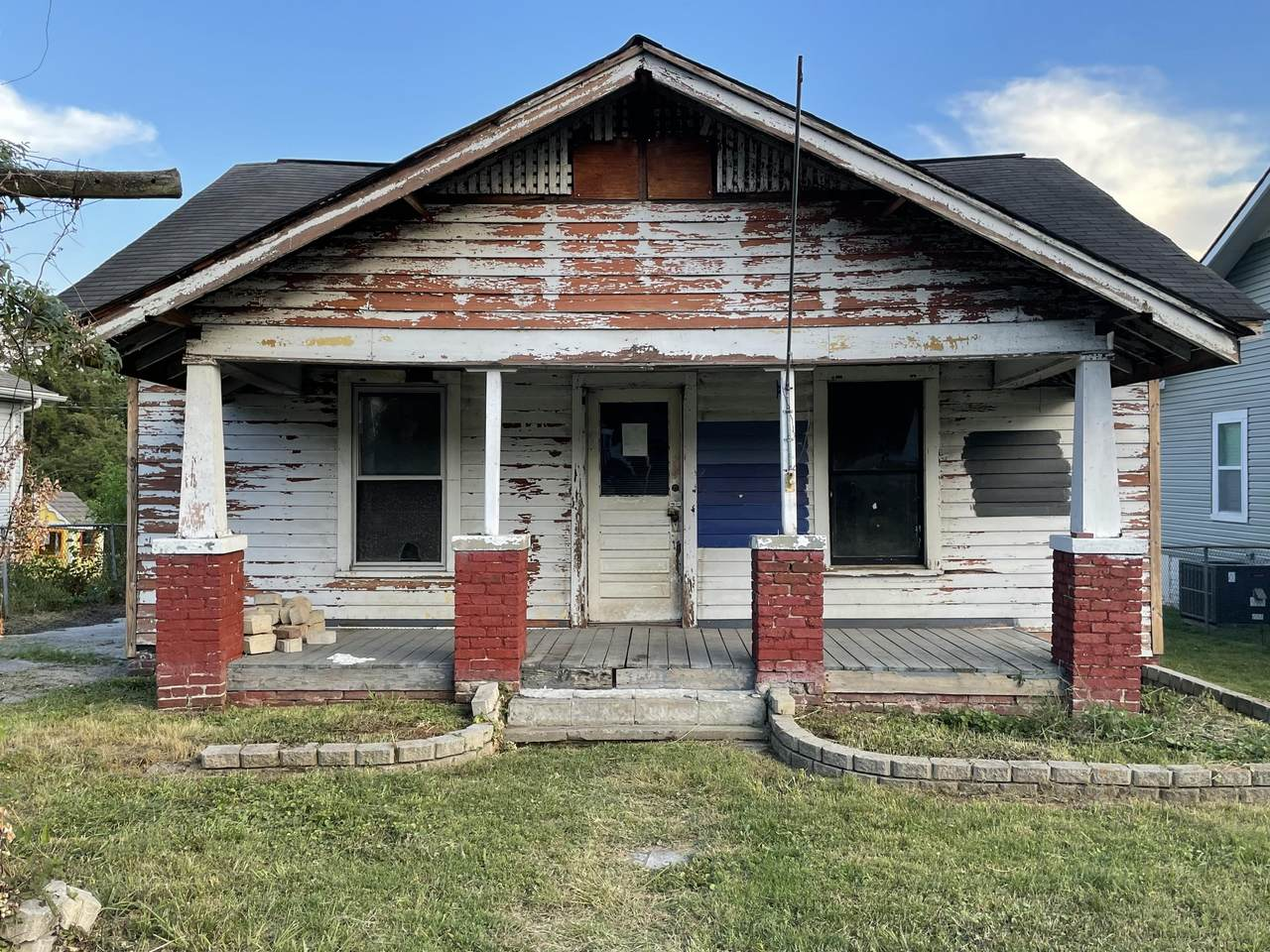 450 Cedar Ave - Photo 1