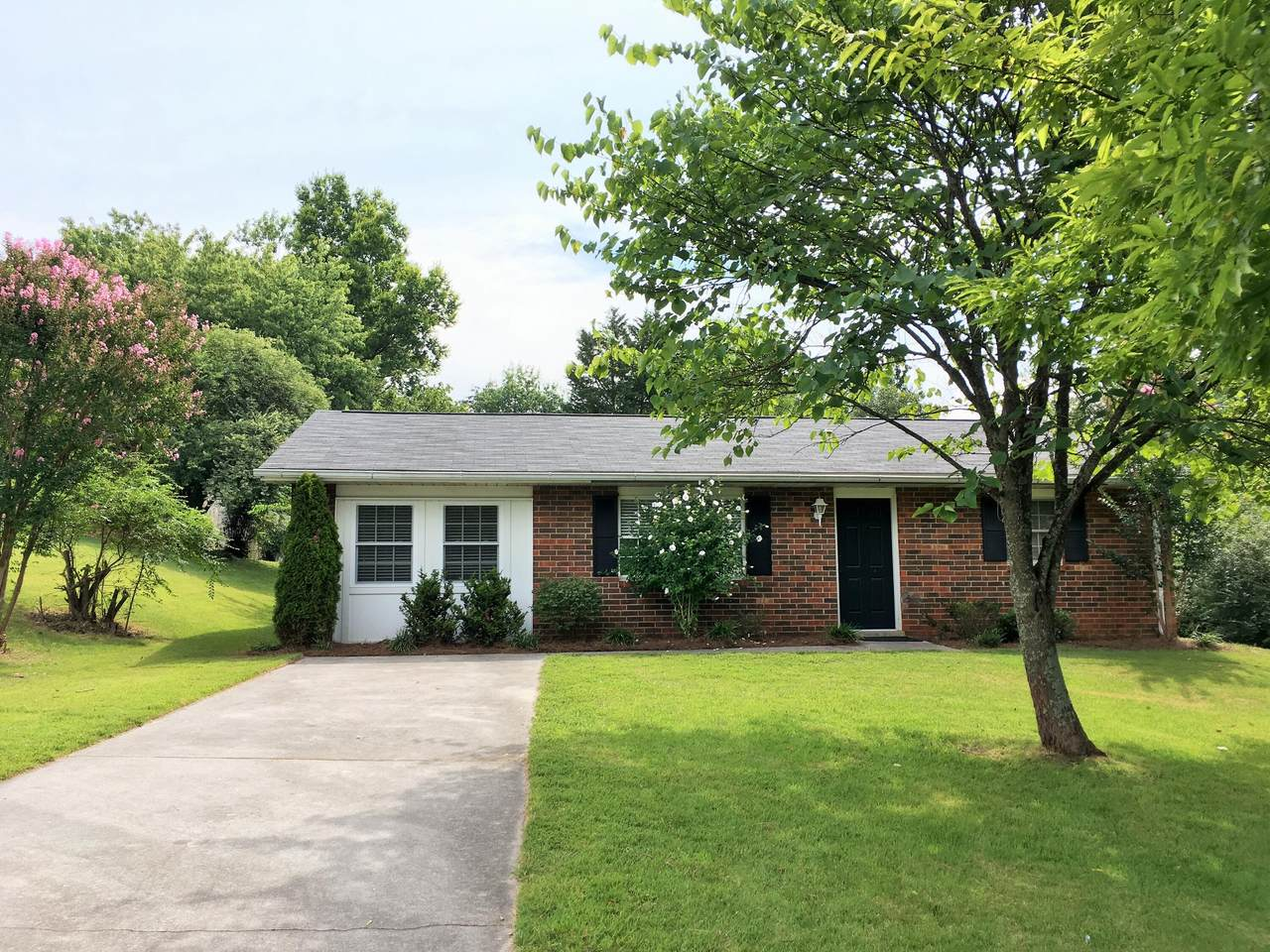 820 Red Saile Rd - Photo 1