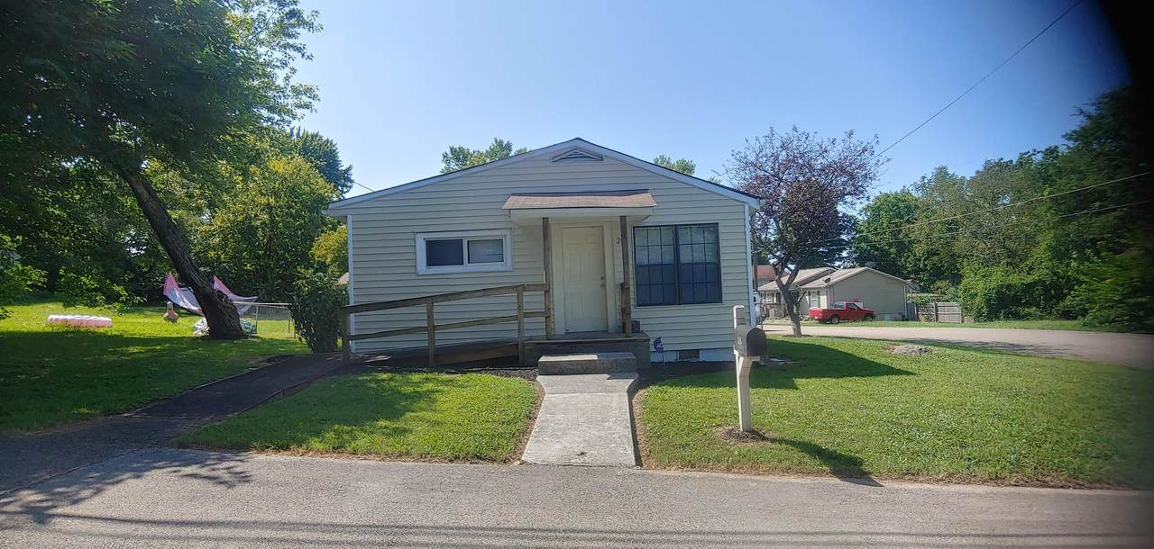 208 Haywood Ave - Photo 1