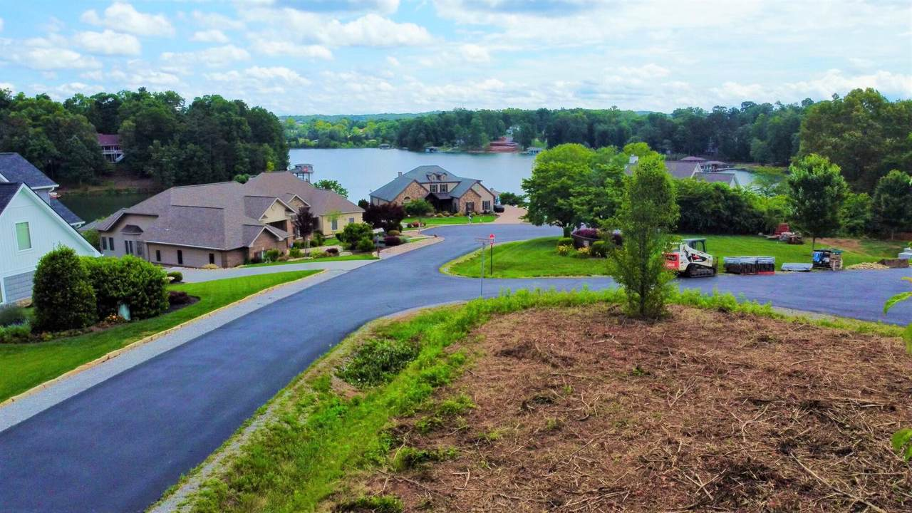 300 Shawnee View - Photo 1