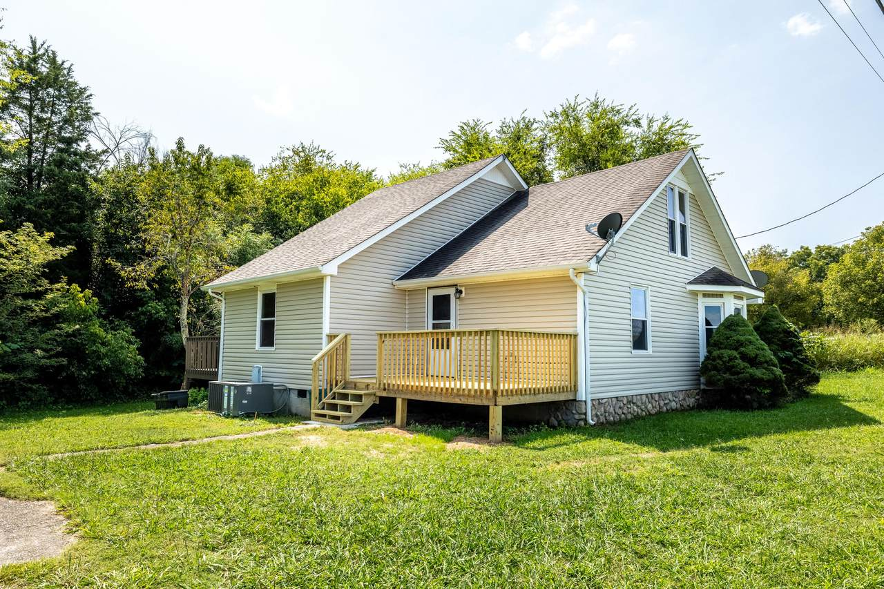 5802 Old Niles Ferry Pike - Photo 1