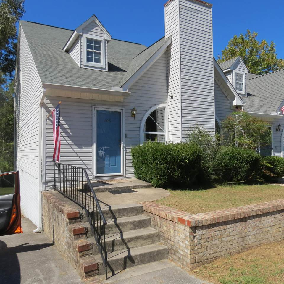 106 Hanover Place - Photo 1