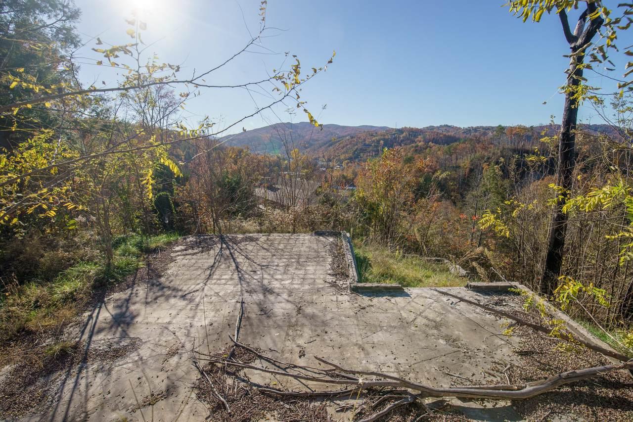 261 Browns Ridge Rd - Photo 1
