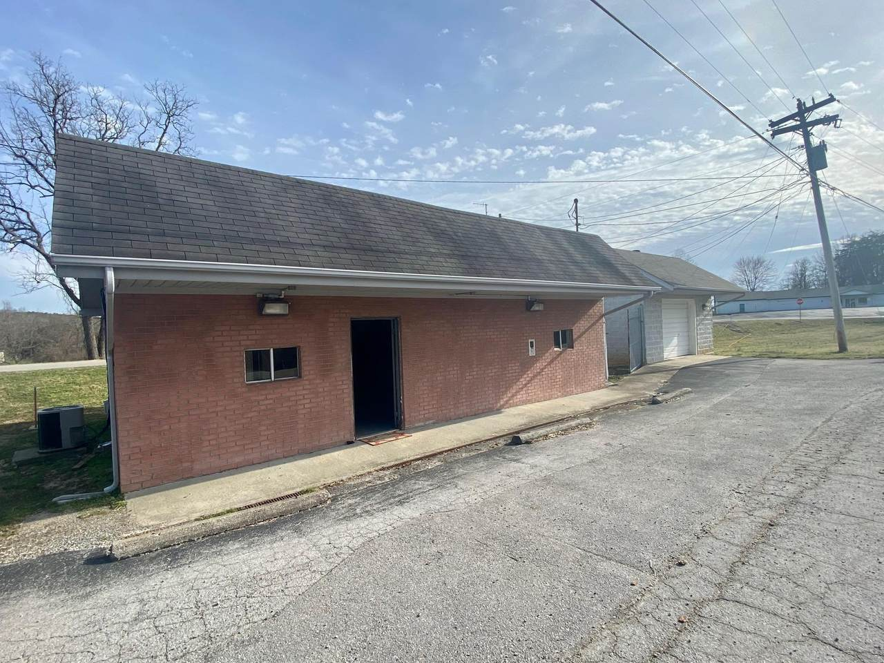 9100 Crossville Hwy - Photo 1