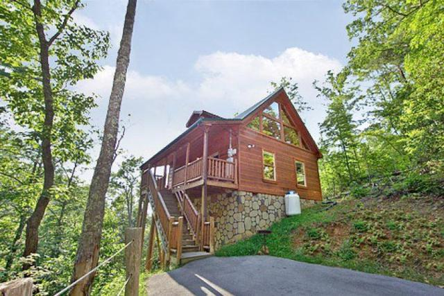 2422 Bobs Pass, Sevierville, TN 37876 (#1011255) :: Billy Houston Group
