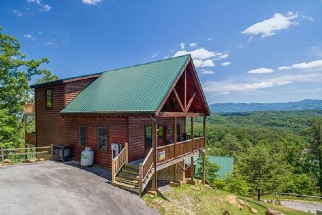 2251 Upper Middle Creek Rd #37, Sevierville, TN 37876 (#1047124) :: Billy Houston Group