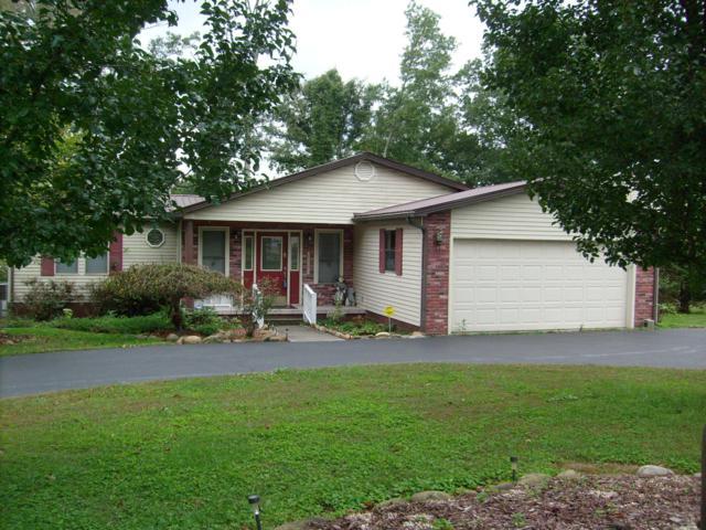 9535 Cherokee Tr, Crossville, TN 38572 (#1059390) :: Billy Houston Group