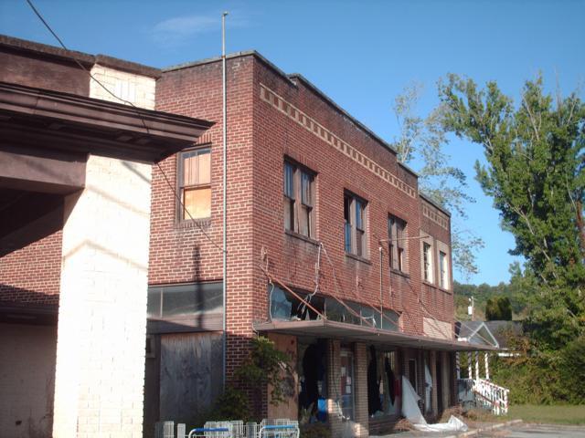 205 Avondale Ave, Middlesboro, KY 40965 (#1059406) :: Billy Houston Group