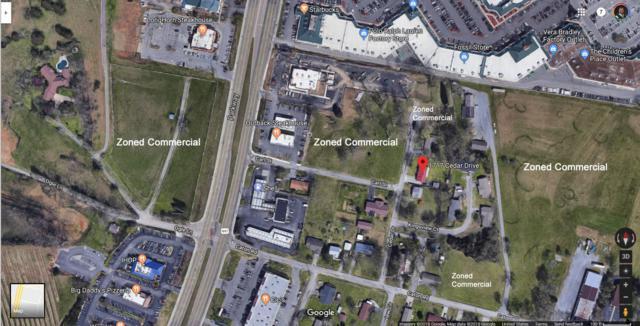 1717 Cedar Drive, Sevierville, TN 37862 (#1061623) :: The Terrell Team