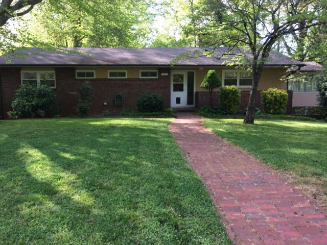 2909 Barber Hill Lane, Knoxville, TN 37920 (#1062421) :: Billy Houston Group