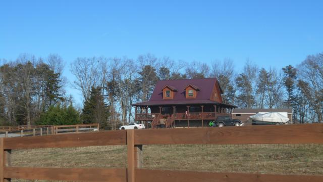 1901 Riverview Drive, Dandridge, TN 37725 (#1067791) :: Billy Houston Group