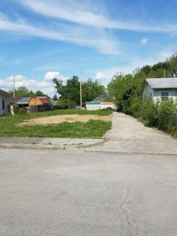 1417 Irwin Ave, Maryville, TN 37804 (#1077105) :: Catrina Foster Group
