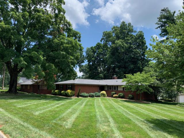 217 Sutton Lane, Knoxville, TN 37909 (#1086874) :: The Creel Group | Keller Williams Realty