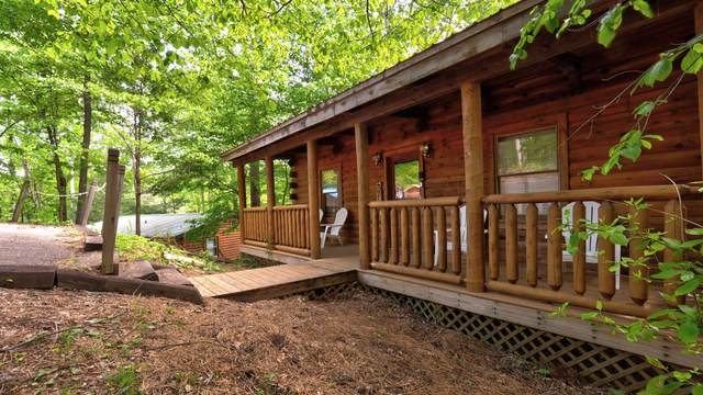 1304 Pine Tr, Sevierville, TN 37876 (#1116192) :: Shannon Foster Boline Group