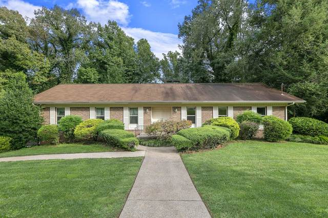10004 El Pinar Drive, Knoxville, TN 37922 (#1130347) :: The Cook Team