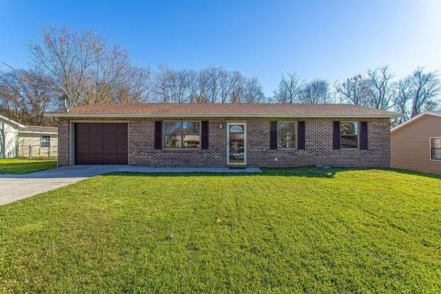 3204 Deer Lake Drive, Knoxville, TN 37912 (#1135965) :: Catrina Foster Group