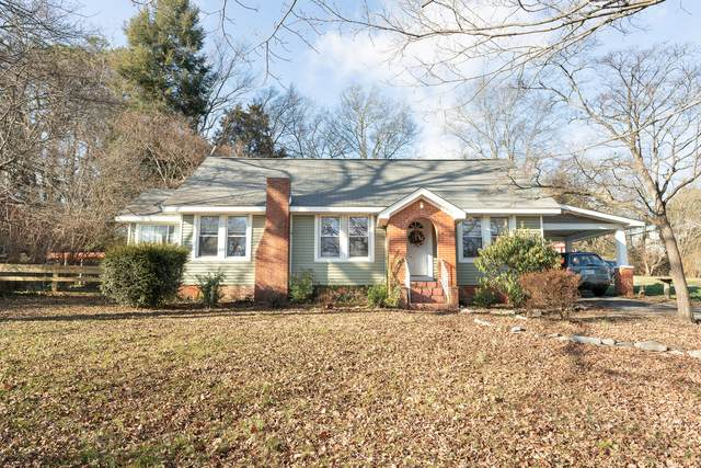 703 NE Midlake Drive, Knoxville, TN 37918 (#1140082) :: Tennessee Elite Realty