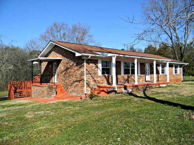 2282 Hwy 11E, Strawberry Plains, TN 37871 (#1140982) :: Cindy Kraus Group | Realty Executives Associates