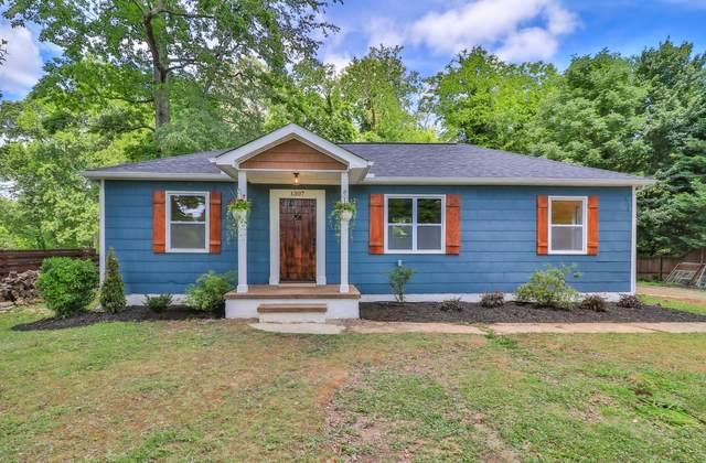 1307 Woodcrest Drive, Knoxville, TN 37918 (MLS #1154848) :: Austin Sizemore Team