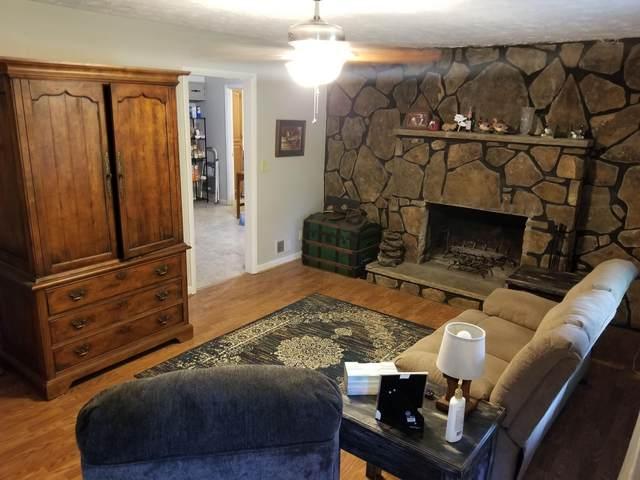 2107 Whitehorse Drive, Crossville, TN 38572 (#1155302) :: JET Real Estate