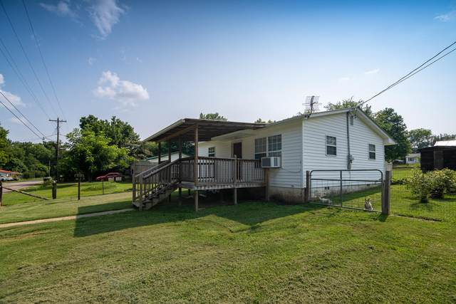206 Greenwood Circle, Madisonville, TN 37354 (MLS #1161201) :: Austin Sizemore Team