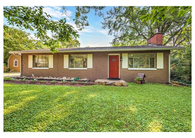 5708 Dogwood Rd, Knoxville, TN 37918 (#1161548) :: Shannon Foster Boline Group