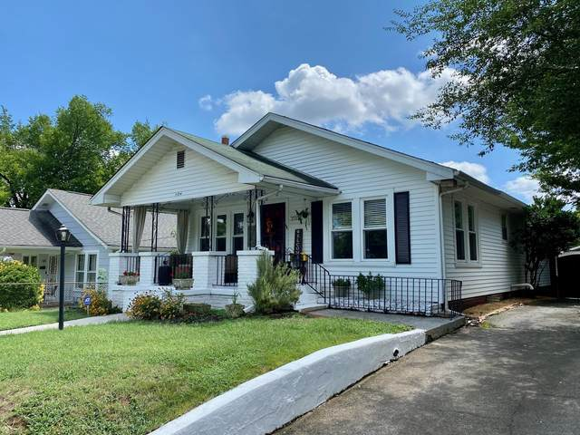 1104 Fairfax Ave, Knoxville, TN 37917 (#1164744) :: Shannon Foster Boline Group