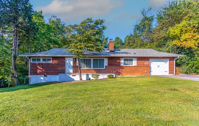 1717 Pawnee Rd, Knoxville, TN 37909 (#1165467) :: The Cook Team