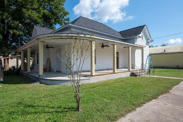 105 Walnut St, Greenback, TN 37742 (#1170198) :: Cindy Kraus Group   Engel & Völkers Knoxville