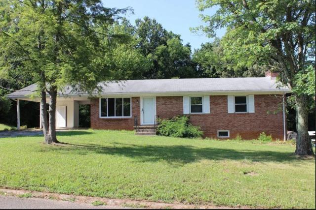 3301 NE Chantilly Drive, Knoxville, TN 37917 (#1045557) :: Billy Houston Group