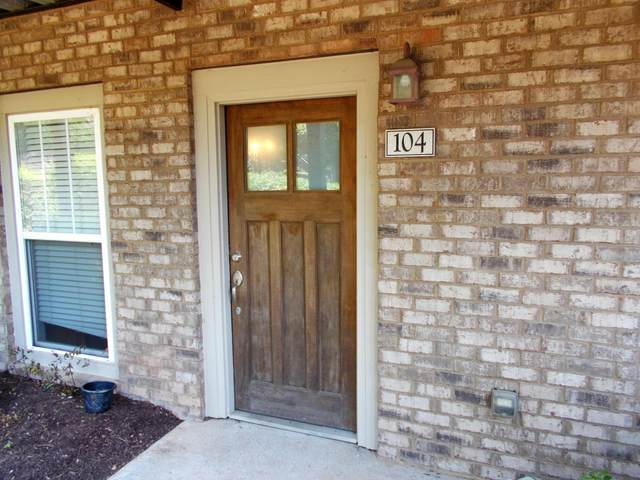 3915 Cherokee Woods Way #104, Knoxville, TN 37920 (#1153965) :: Billy Houston Group