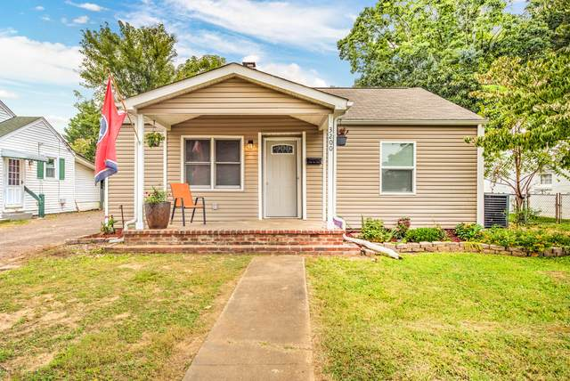 3200 Bellevue St, Knoxville, TN 37917 (#1130732) :: Catrina Foster Group