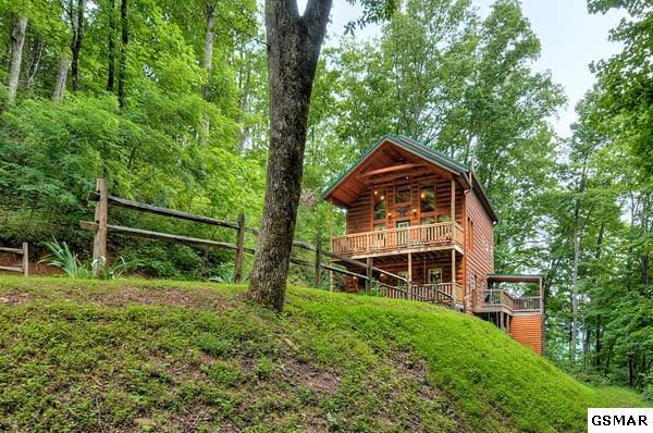 3538 Wolf Way, Sevierville, TN 37862 (#1008196) :: SMOKY's Real Estate LLC