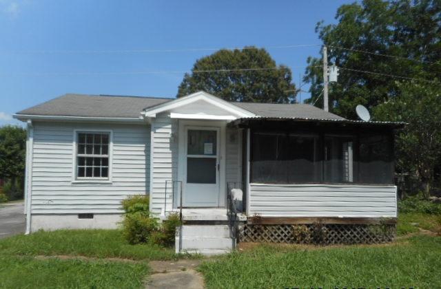 403 Kingston St, Lenoir City, TN 37771 (#1010936) :: Billy Houston Group
