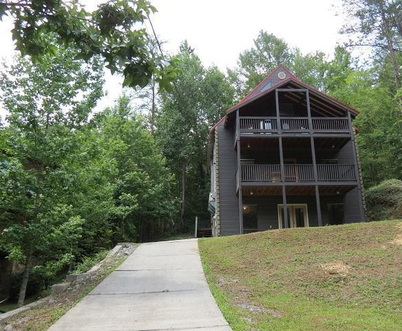 919 Powdermill Rd, Gatlinburg, TN 37738 (#1011216) :: Billy Houston Group